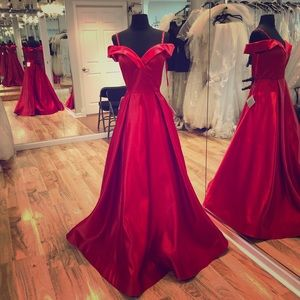 Dresses & Skirts - Long formal ball gown